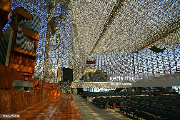 crystal cathedral sanctuary and pipe organ - crystal cathedral - fotografias e filmes do acervo