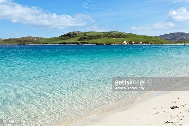 crystal clear sea on a scottish beach - barra scotland stock pictures, royalty-free photos & images