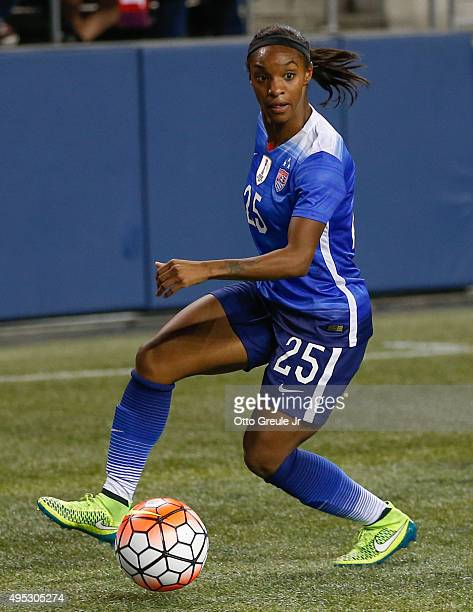 Crystal Dunn of the United States dribbles against Brazil at CenturyLink Field on October 21 2015 in Seattle Washington