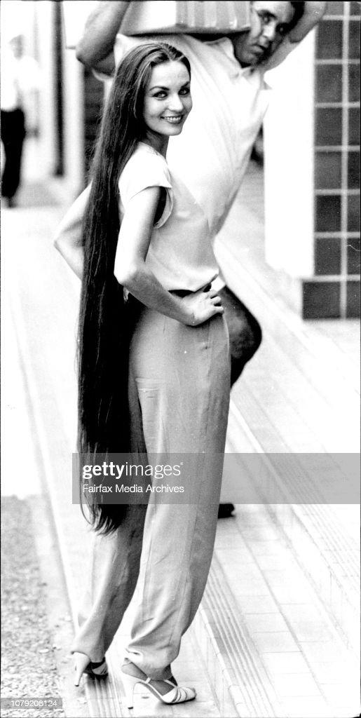 Crystal Gayle Hair Length