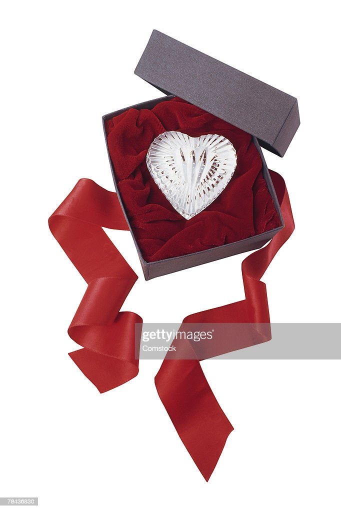 Crystal heart in a box : Stockfoto