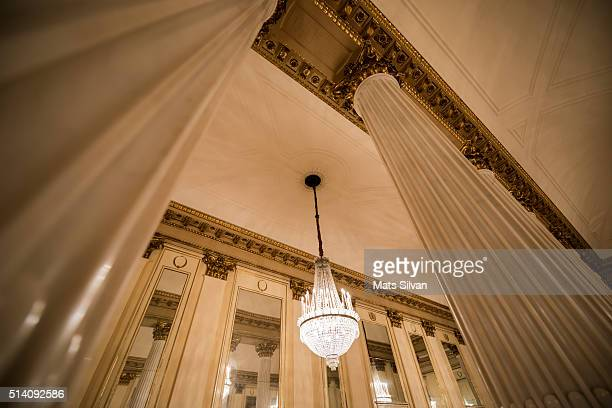 crystal lamp and columns - la scala theatre stock pictures, royalty-free photos & images