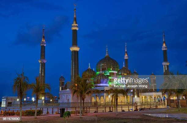 crystal mosque - crystal mosque stock pictures, royalty-free photos & images