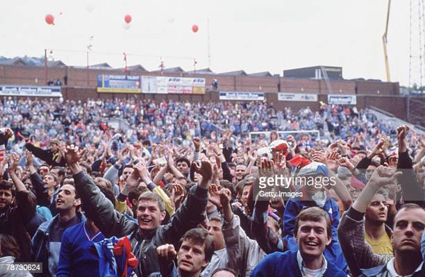 Crystal Palace fans celebrate their teams 30 win over Blackburn after extra time in the second leg of the play offfinal at Selhurst Park London 3rd...