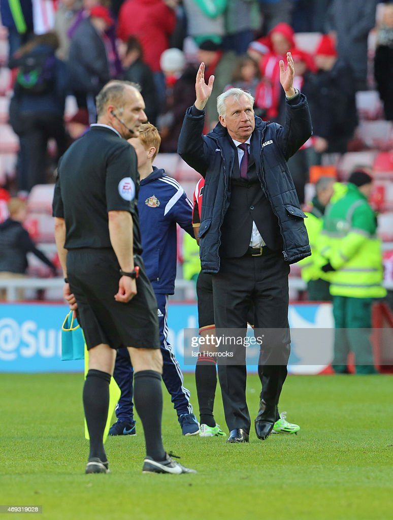 Crystal Palace manager Alan Pardew celebrates the win during the Barclays Premier League between Sunderland AFC and Crystal Palace at the Stadium of Light on April 11, 2015 in Sunderland, England.