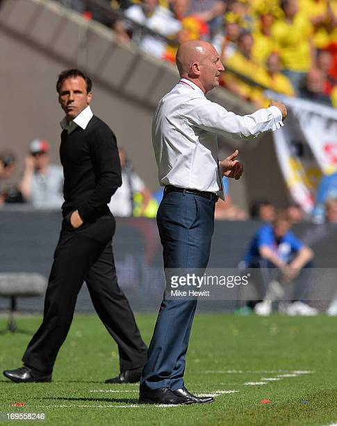 Crystal Palace Manager Ian Holloway issues instructions as Watford Manager Gianfranco Zola looks on during the npower Championship Playoff Final...