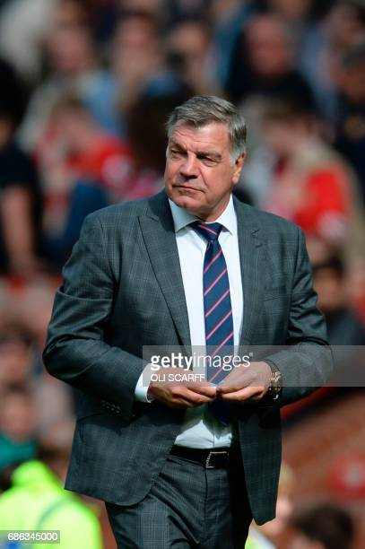 Crystal Palace's English manager Sam Allardyce leaves the pitch at the end of the English Premier League football match between Manchester United and...