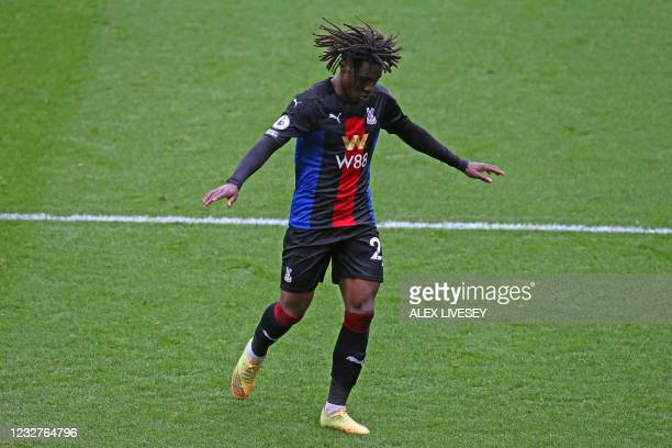 Crystal Palace's English midfielder Eberechi Eze celebrates scoring his team's second goal during the English Premier League football match between...