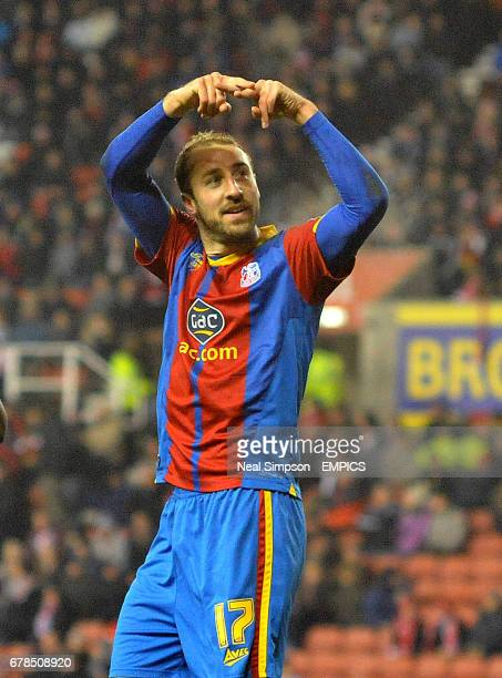 Crystal Palace's Glenn Murray celebrates scoring their equalising goal from the penalty spot