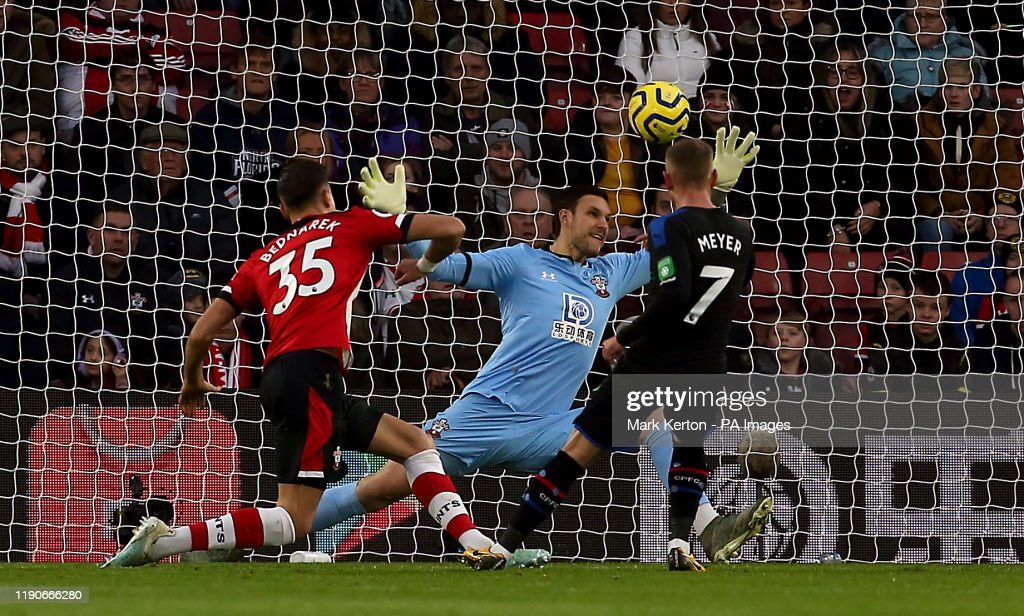 Southampton v Crystal Palace - Premier League - St Mary's Stadium : News Photo