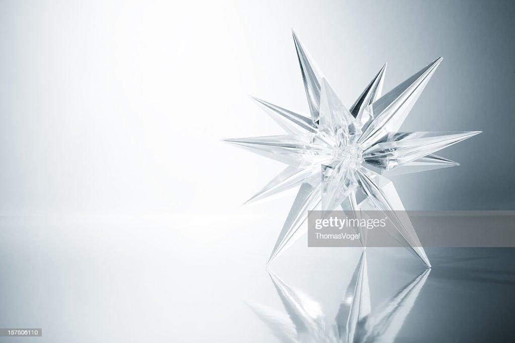 クリスタル届けします。Ice ガラスアートクリスマスの光の雪の結晶デザイン : ストックフォト