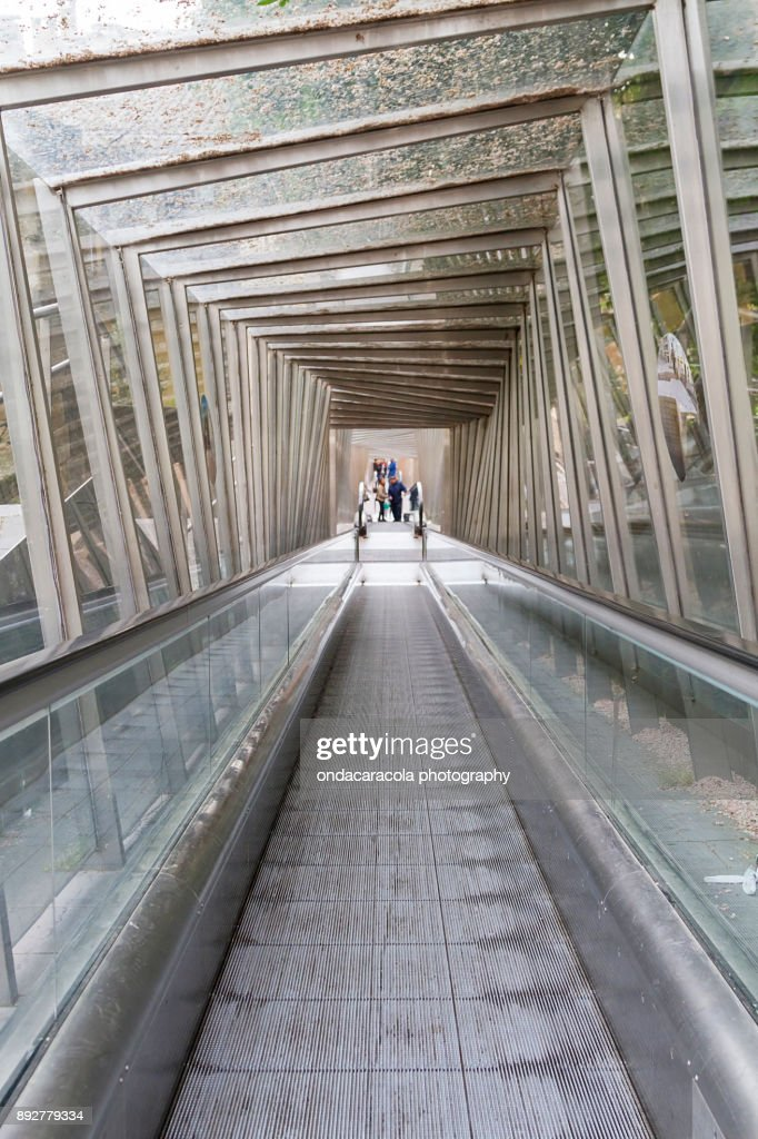 Crystal tunnel structure : Stock Photo