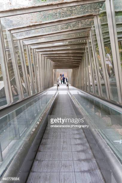 crystal tunnel structure - vitoria spain stock pictures, royalty-free photos & images