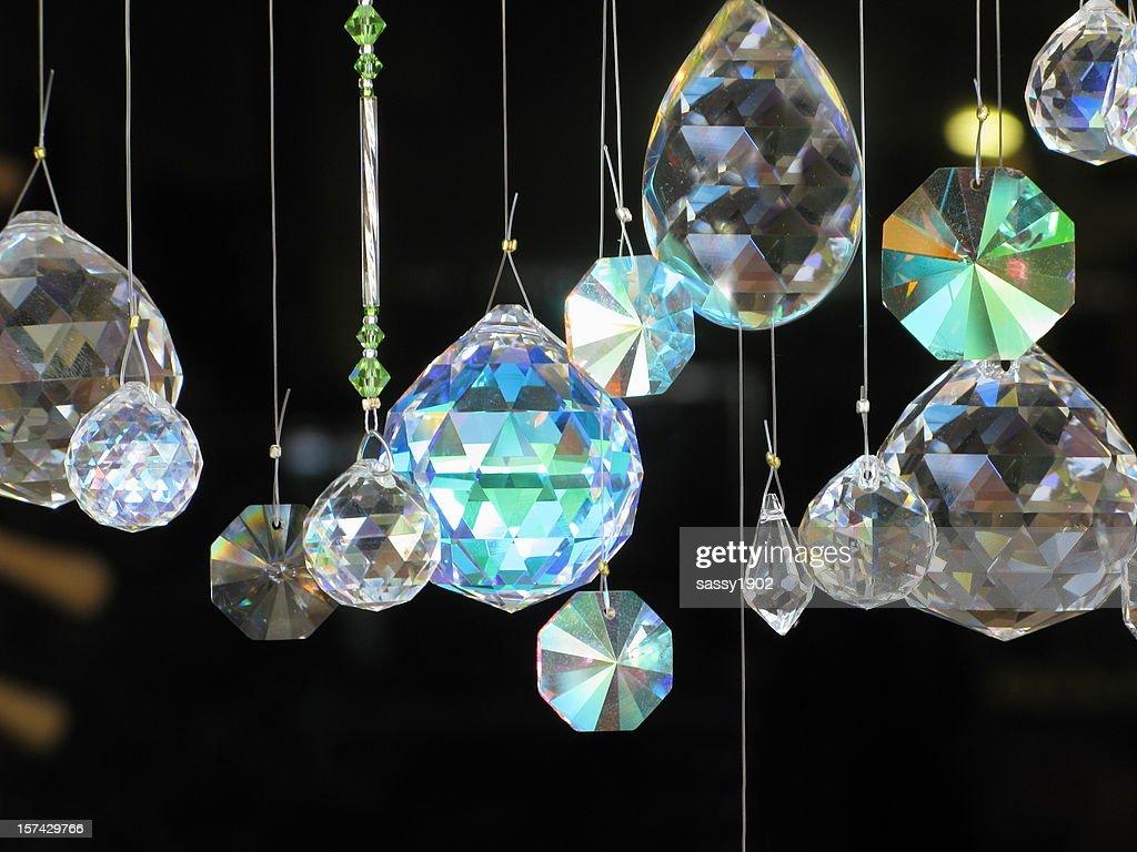 ダイヤモンド垂れ下がるガラスのクリスタル : ストックフォト