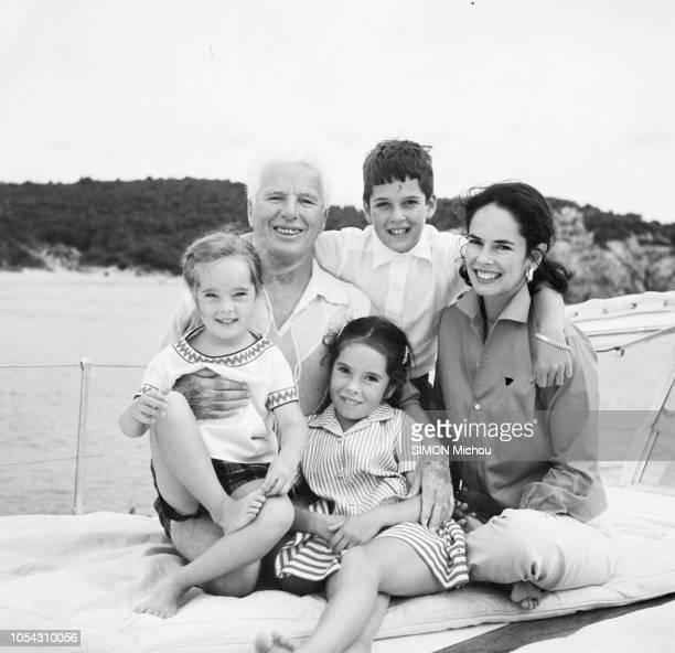 Côte d'Azur France Août 1956 Charlie CHAPLIN en villégiature dans la villa La Reine Jeanne avec son épouse Oona et trois de leurs enfants Michael...