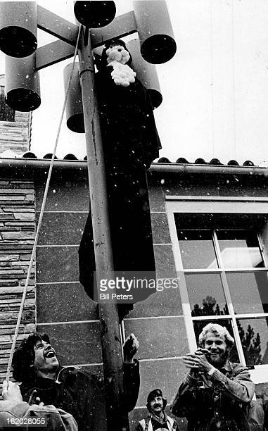NOV 9 1979 NOV 10 1979 Cu Students Hang the Ayatollah Khomeini in Eff The Friday noon demonstration was in the Fountain area *****