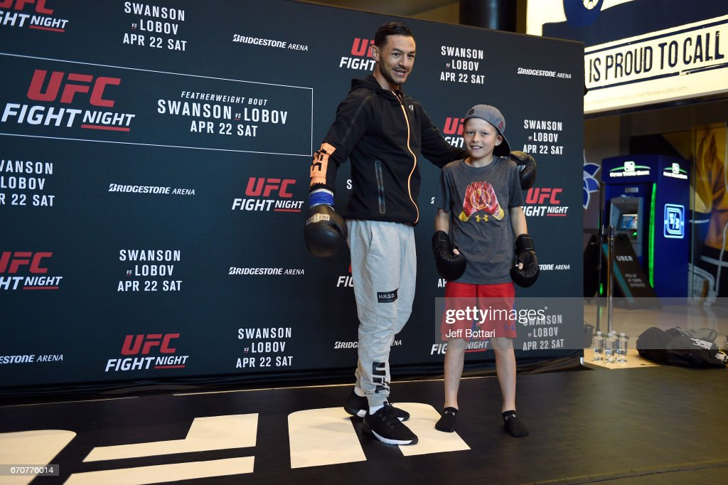 Cub Swanson holds an open workout for fans and media at the Bridgestone Arena Atrium on April 20, 2017 in Nashville, Tennessee.