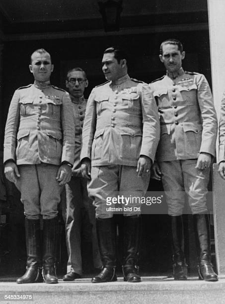 Cuba Batista Salvidar Fulgencio 19011973 Officer politician Cuba President 194044 and 195259 Batista with officers around 1952
