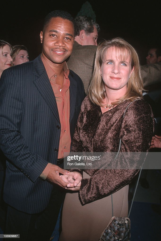 Cuba Gooding Jr. and Sarah Kapfer during 'What Dreams May Come' Los Angeles Premiere in Beverly Hills, California, United States.