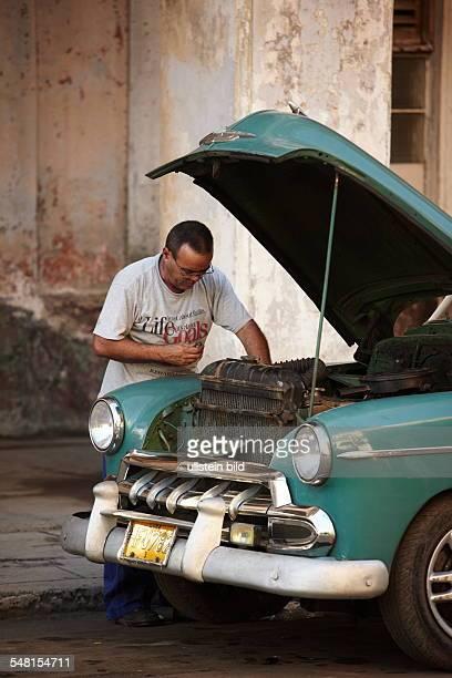 Cuba Havana Havana - vintage car out of order