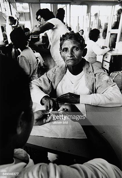 Cuba Havanna psychiatry psychiatric hospital patient woman gets manicure as therapy