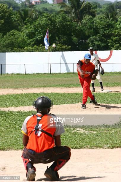 Baseballspiel im Stadion Estacho Escabray