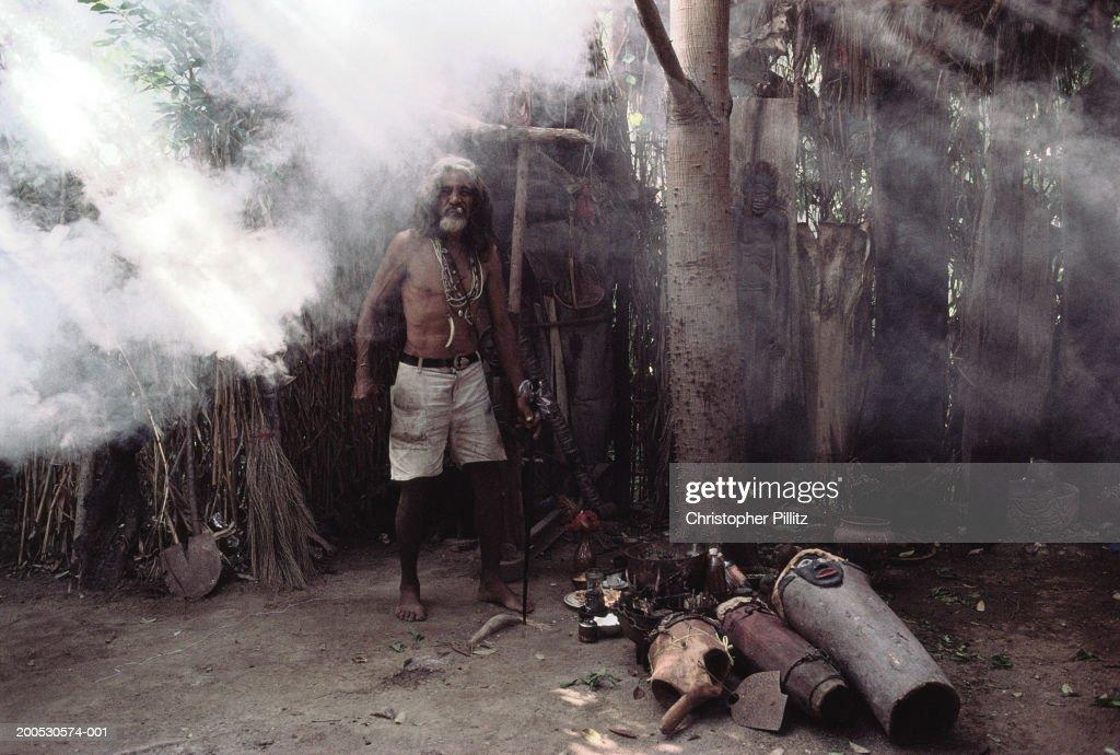 Cuba, Pedro Spengler, Santeria witchdoctor in camp, portrait... : News Photo