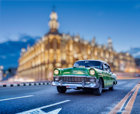 Cuba taxi vintage car in the center of Old Havana at night - gettyimageskorea