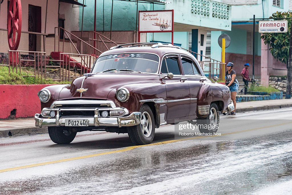 Cuba tourist transportation: Old vintage American car in ...