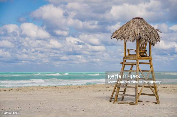 cuba: travel - lifeguard hut on varadero beach - varadero beach stock pictures, royalty-free photos & images