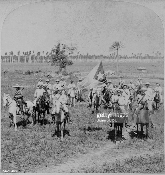 Cuba War of Independence 189598 General Gomez' Cuban cavaliers near Remedios Santa Clara Province One is holding the Cuban flag late 1898
