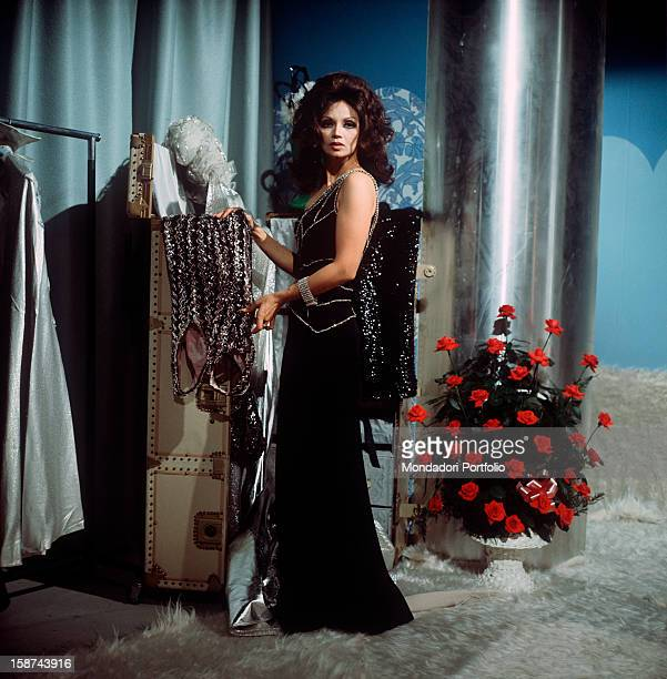 Cuban actress Chelo Alonso born Isabella Garcia also known by the italian public for her qualities as a dancer photographed into her dressing room at...