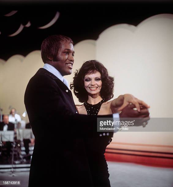 Cuban actress Chelo Alonso born Isabella Garcia also known by the italian public for her qualities as a dancer dances with a black special guest...