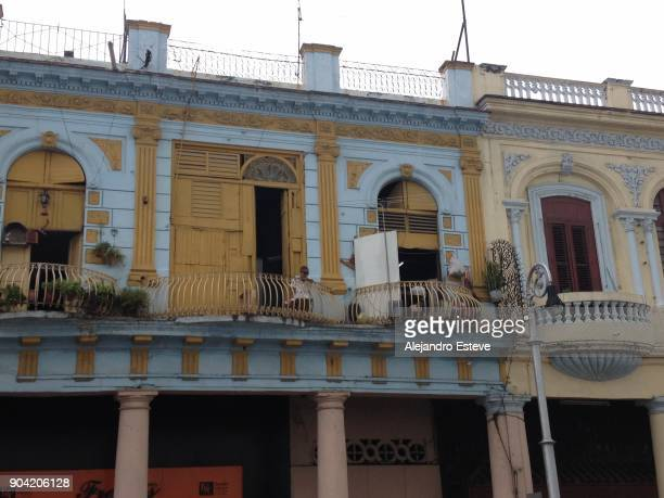 Cuban facades in yellow and blue colors
