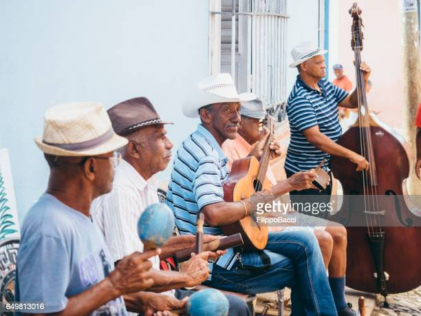 キューバの演奏は通りで