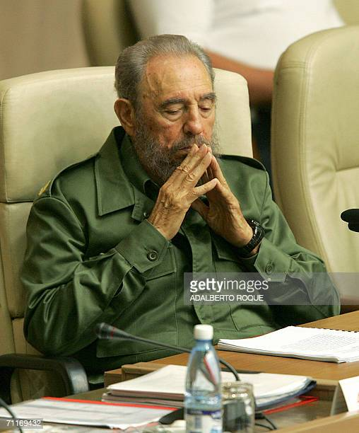 Cuban president Fidel Castro attends the closing ceremony at the International Seminar on Literacy and Post Literacy Policies 09 June 2006 in Havana...