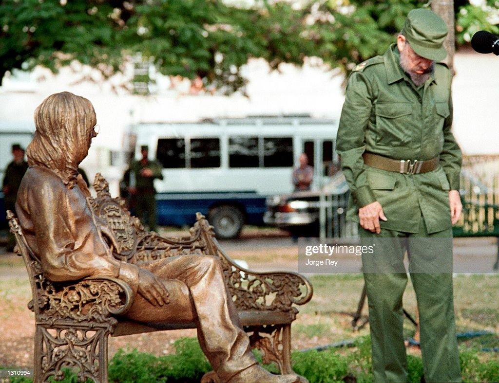 Fidel Castro Unveils John Lennon Statue : News Photo