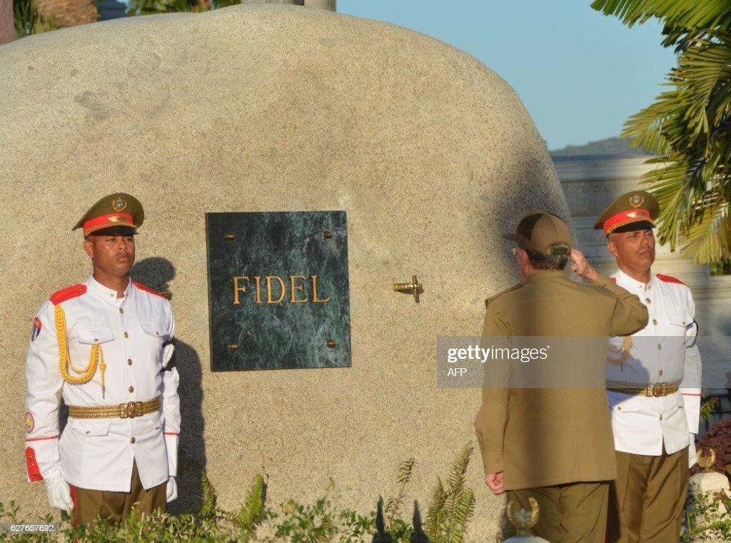 CUBA-CASTRO-DECEASE-TOMB : News Photo