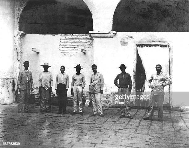 Cuban prisoners arrested by order of General Wood Wood Cuba SpanishAmerican War Washington Librairie du Congrès