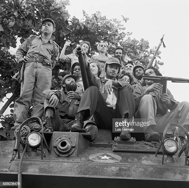 1/59 Cuban rebel soldiers on tank University of Havana Cuba