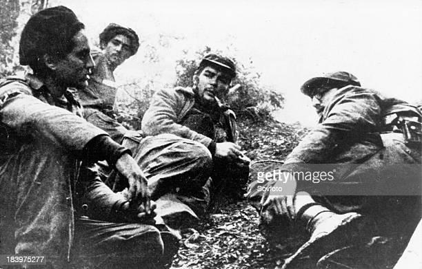 Cuban Revolution Fidel Castro And Che Guevara In The Sierra Maestra