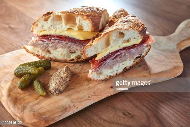 sandwich cubano - cultura cubana foto e immagini stock