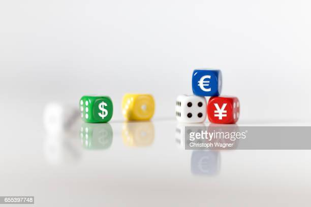 EURO DOLLAR YEN Cubes