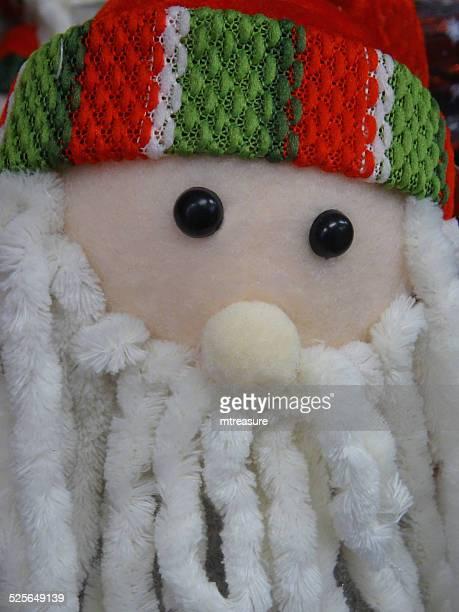 cuddly juguete papá noel de historieta/padre navidad, cabello rastafari barba, blanco - cartoon santa claus fotografías e imágenes de stock
