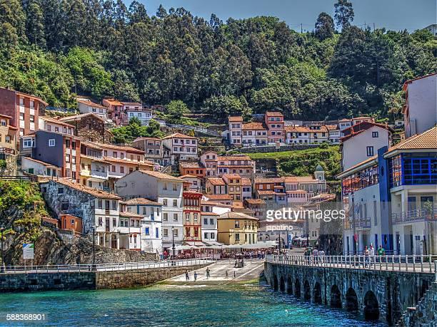 cudillero - principado de asturias fotografías e imágenes de stock