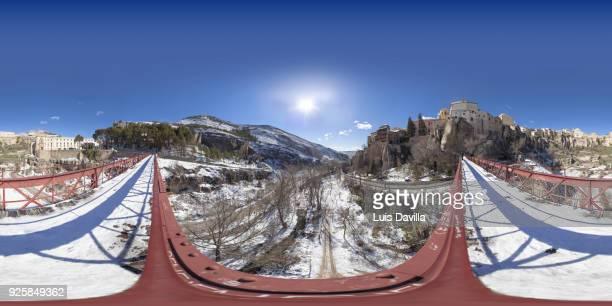 cuenca from san pedro bridge. spain - unesco stockfoto's en -beelden