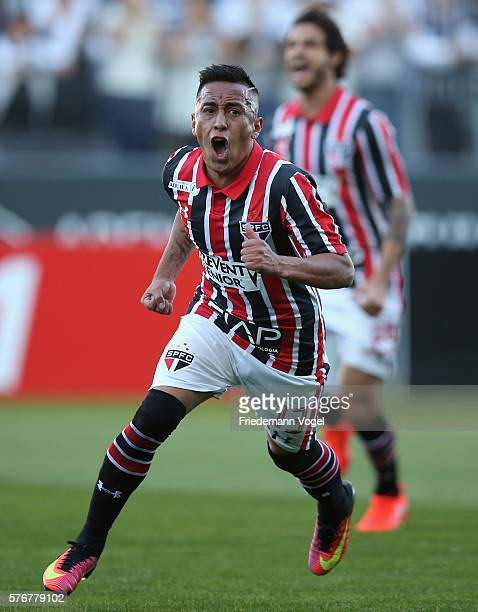 Cueva of Sao Paulo celebrates scoring the first goal during the match between Corinthians and Sao Paulo for the Brazilian Series A 2016 at Arena...