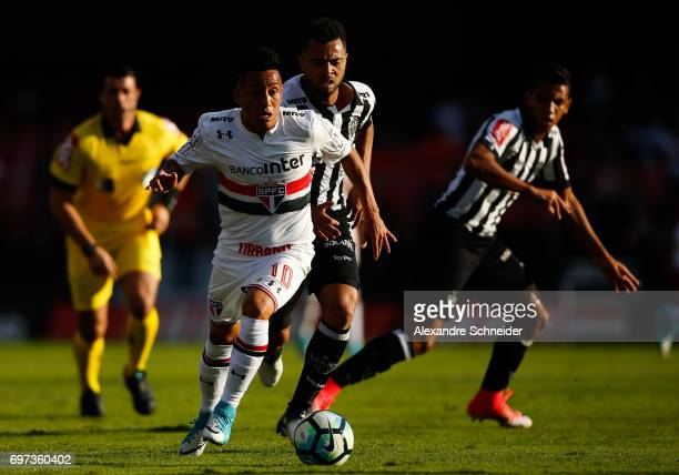 Cueva of Sao Paulo in action during the match between Sao Paulo and Atletico MG for the Brasileirao Series A 2017 at Morumbi Stadium on June 18 2017...