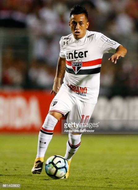 Cueva of Sao Paulo in action during the match between Sao Paulo v Atletico PR for the Brasileirao Series A 2017 at Pacaembu Stadium on October 14...
