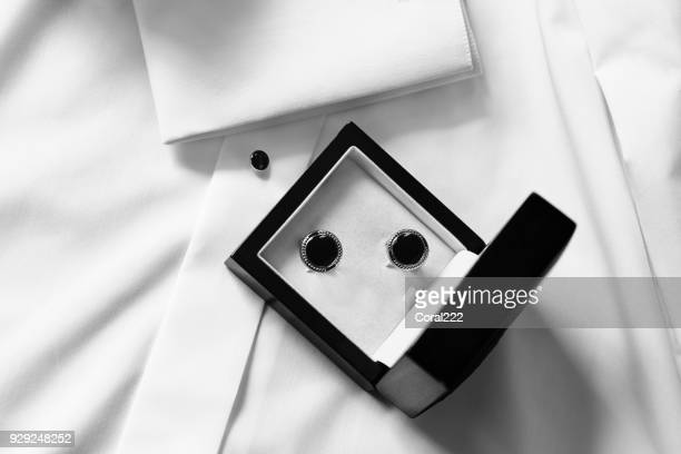 cufflinks in black box - camicia foto e immagini stock